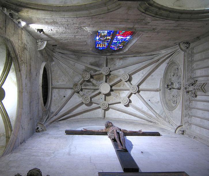 Detalle del techo de Pere Comte en el pasillo de acceso