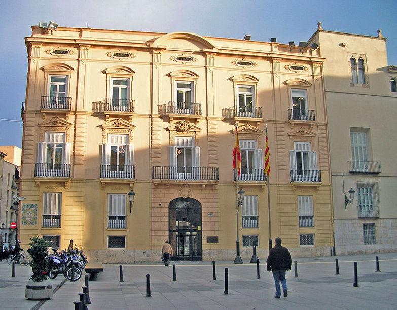 Fachada de el Palacio Batlia