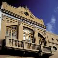 Detalle de la fachada del Teatro Capri en Paterna