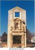 Portal de la antigua iglesia de Tous