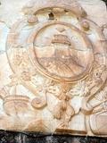 Escudo en homenaje a Illice Cesar Agusto Illicitana en el Castillo de Santa Bárbara