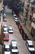Carrer Arquitecte Morell d'Alacant durant les inundacions de 1997