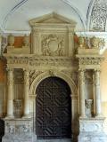 Portada y escudo del Colegio Santo Domingo en Orihuela