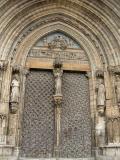 Vista de uno de los portales de la Iglesia Archiprestal de Santa María