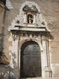 Vista de la Puerta lateral de la iglesia de San Bartolomé de Benicarló