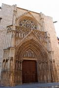 Vista general de el portal de los apóstoles de la Catedrald e Valencia